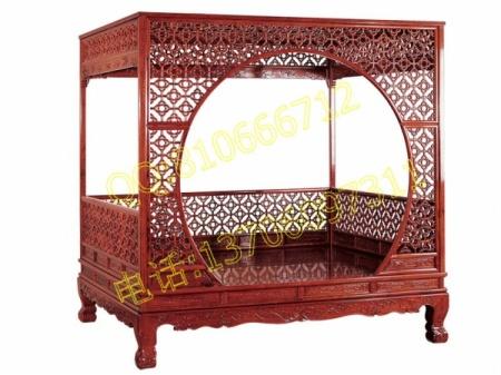 红酸枝精雕月洞门架子床